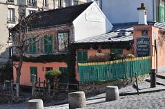 """Le cabaret """"Au Lapin agile"""", rue des Saules, Butte Montmartre, Paris XVIIIe, France. (byb64) Tags: paris parigi париж باريس îledefrance france francia frankreich europe europa eu ue montmartre buttemontmartre cabaret aulapinagile vigne vineyard lamaisonrose"""