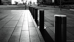 Guardians (frankdorgathen) Tags: pavement alpha6000 sony1018mm weitwinkel wideangle perspektive perspective sundown sonnenuntergang sunset ruhrpott ruhrgebiet altendorf essen thyssenkruppquartier