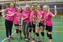 2018 april N5.2 kampioen - vlnr: tr.Judith Wilpshaar, Lieke, tr. Lara Hallink, Sophie, Lara, Arianne