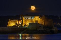 Castillo de San Antón. Luna llena de Abril. (Chencho Mendoza) Tags: acoruña lunallena castillo sanantón galicia