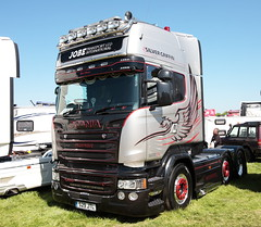 Jobe Transport Scania R580 Silver Griffin Peterborough Truckfest 2018 (davidseall) Tags: jobe transport scania vabis r580 v8 silver griffin limited edition truck lorry tractor unit artic large heavy goods vehicle lgv hgv peterborough truckfest may 2018