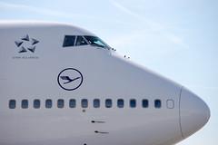 Frankfurt Airport: Lufthansa Boeing 747 (kevin.hackert) Tags: rheinmain vorfeld linienflugzeug flughafen eddf outdoor metropole airport jet flugzeug cargo rheinmainflughafen ffm hessen fra aircraft frankfurtammain 069 apron frankfurt main rollfeld fahrzeug fraport boden verkehrsflughafen