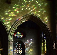 (Jean-Luc Léopoldi) Tags: lumière gothique architecture artreligieux bretagne vitrail soleil ogive église church