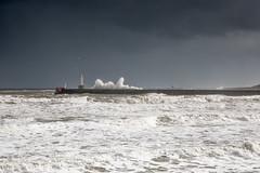 Aberdeen (Teuchter Prof) Tags: aberdeen aberdeenbeach swell seaswell waves storm lighthouse aberdeenharbour southbreakwateraberdeenharbour winter winterstorm skyscape stormysky scotland