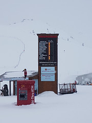 Still on the hill and all the lifts have shut :-) (Ruth and Dave) Tags: whistler whistlerblackcomb roundhouse whistlermountain closed lightboard sign lifts shut endoftheday skiresort mountain slopes