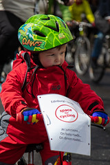 #POP2018  (76 of 230) (Philip Gillespie) Tags: pedal parliament pop pop18 pop2018 scotland edinburgh rally demonstration protest safer cycling canon 5dsr men women man woman kids children boys girls cycles bikes trikes fun feet hands heads swimming water wet urban colour red green yellow blue purple sun sky park clouds rain sunny high visibility wheels spokes police happy waving smiling road street helmets safety splash dogs people crowd group nature outdoors outside banners pool pond lake grass trees talking
