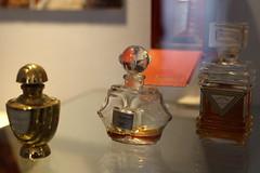 fioles de parfum (CHRISTOPHE CHAMPAGNE) Tags: 2018 grasse france 06 alpes maritimes fragonard parfum flacon