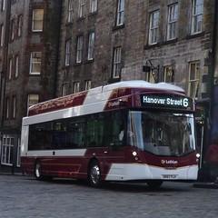 Lothian electric 289 in Edinburgh's Old Town. (calderwoodroy) Tags: streetair wrightbus sk67flh service6 289 edinburghtransport transportforedinburgh lothianbuses lothianelectric electricbus singledecker bus oldtown stmary'sstreet edinburgh scotland