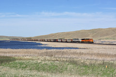 BNSF 9002 Doc Lake/Nabraska (Gridboy56) Tags: bnsf usa america locomotive locomotives trains train railways railroad railfreight diesel coal wagons cargo freight sandhillssub nebraska doclake