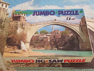 Jumbo 2122 Yugoslavia, Herzegovina, Mostar, bridge across the Neretva river - box