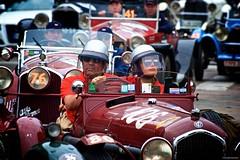 "IMGP0514 N.80 ALFA ROMEO TIPO B 2900 ""P3"" 1932 (Claudio e Lucia Images around the world) Tags: pohl andreas nathalie alfa romeo tipo b 2900 p3 1932 tipob2900p3 milano millemiglia millemiglia2018 lancia historicalrally historic rally car race brescia mille miglia classic classiccar pentax pentaxk3ii pentax60250 strada parabrezza alfaromeo ferrari bentley porsche mercedes fiat spa om historicrally auto persone bici"