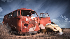 Mother and Child Reunion (emiliopasqualephotography) Tags: volkswagen vw beetle rust decay vintageautos sky cloudsdesert