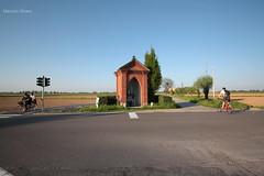 Morimondo (MI) (Il Morris) Tags: milano architecture arte architettura morimondo art religione religion edicolavotiva