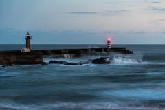 Faro Felgueiras (Roberto_48) Tags: oporto faro felgueiras portugal duero mar marejada playa oceano atlantico costa porto