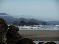 Haystack Rock from Crescent Beach (Tide Fighter) Tags: haystackrock cannonbeach oregon oregoncoast pacificnorthwest ecolapoint ecola crescentbeach chapmanpoint