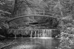 small bridge (husiphoto) Tags: bach creek blackandwhite brücke bridge kaskade cascade landschaft landscape wasser water outside d750 nikon nikkor river bw schwarzweiss bogen arc