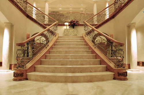 Applying Stair Railings to Enhance Your Home Design