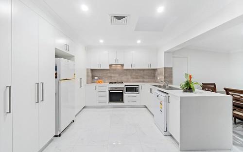 6 Begonia Av, Cabramatta NSW 2166