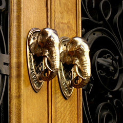 elephantine knockers (Yersinia) Tags: city uk greatbritain england london public geotagged europe unitedkingdom britain eu explore gb elephants safe guessed guesswherelondon londonguessed ec knockers ec4 faved travelcard cutlershall squaremile londonset londonbylondoners bestiaireurbain ccnc zone1 warwicklane photographical yersinia postcoded londonpool guessedbystevew urbanbestiary geo:lat=51515456 geo:lon=0100856 urbanfragmentspool gwl2006 casioexz110 postedbyyersinia alondonbestiary northoftheriver northofthames inygm multiplepost cityset walk140706 anurbanbestiary gwlg londonboroughcollection