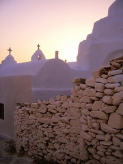 Twilight on Mykonos (Trent Strohm) Tags: sunset church wall tag3 taggedout tag2 tag1 greece portfolio chora cyclades mykonos paraportiani greekisles strudelmonkey lpwalls