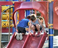 Play Station. Game over... (Silvia de Luque) Tags: park parque game nios granada childrens juego hdr photomatix alhambra2006 silviadeluque parquedelzaidn