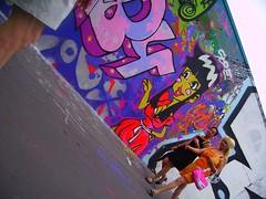 femmes (gillesklein) Tags: street city wallpaper streetart paris france art public painting french typography graffiti klein mural none graf 2006 creativecommons publicart walls mur 75018 gilles murs 2007 18eme graffitis typographie parisien artstreet 18ème ordener gillesklein paris18 gillesitzkovitchklein itzkovitch visitpariswall itzkovitchklein