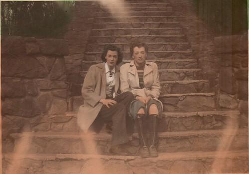 December 15, 1922  -  September 4, 2001   My Mama.....Mary Alice