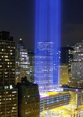 Tribute in Light (seth_holladay) Tags: nyc newyorkcity manhattan worldtradecenter 2006 september gothamist tributeinlight weststreet bpc 9112001