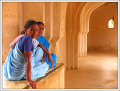 Hampi, Queen's bath (**luisa**) Tags: blue woman india yellow temple women bravo asia hampi angkorsingles queenbath