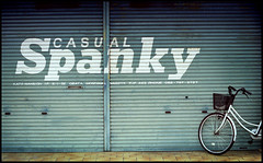 ((mjh)) Tags: film bike bicycle japan fuji olympus nagoya casual aichi spanky 50mmf18 400h om4t