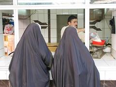 Kurdistan, the other Iraq (Chris Kutschera) Tags: woman man shop veil iraq middleeast hijab modesty kurdistan khimar
