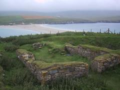 St. Ninian's Isle - chapel & tombolo (birdfarm) Tags: water stone island scotland ancient ruins chapel archeology shetland antiquity tombolo ninian shetlandislands stniniansisle oldstone southmainland