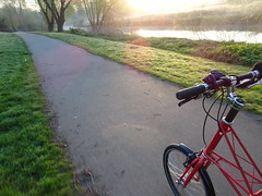 Low Sun (stevenbrandist) Tags: moulton red tsr27 morning commute commuting bicycle spaceframe path watermeadcountrypark