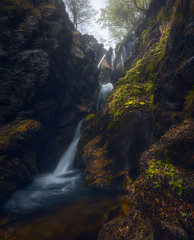 Rio Arno (Fran4Life) Tags: water waterfall waterfalls abruzzo pratiditivo valmaone italia italy landscape photography wideangle scene light glow atmosphere leaves spring vertical shot rioarno cascate paesaggio beautiful longexposure