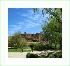 Quel (kirru11) Tags: quel larioja españa paisaje castillo casas parque árboles campo hierba banco cielo nubes kirru11 anaechebarria canonpoweshot
