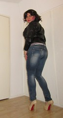 casual in jeans and jacket, and loving my new heels (Barb78ara) Tags: jeans tightjeans bluejeans tightbluejeans jacket leatherjacket highheels louboutin redsole pumps stilettoheels stilettohighheels