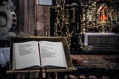 Evangelium (Melissa Maples) Tags: innsbruck österreich austria europe nikon d3300 ニコン 尼康 nikkor afs 18200mm f3556g 18200mmf3556g vr winter cathedral church domzustjakob domstjacob sanctuary altar bible scripture