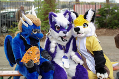SAM_8624.jpg (Silverflame Pictures) Tags: hondachtigen vos draak costumeplay fukumi cosplay 2018 furry april canine dragon fox furrie costume grouppicture