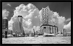 Hamburg Hafengeburtstag, 2018 (Dierk Topp) Tags: a7rii a7rm2 elbphilharmonie hh ilce7rii ilce7rm2 sonya7rii canaryislands clouds habour hafengeburtstag hamburg ships sony water