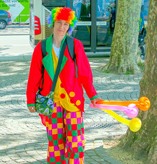coloured clown (areavie@gmail.com) Tags: red color colour balloons clown nikon d810 28300mm street photography zurich suisse