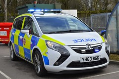 YH63 BGK (S11 AUN) Tags: west yorkshire police vauxhall zafira tourer dog section policedogs support unit response van 999 emergency vehicle yh63bgk