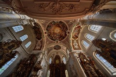 Sky View (Arx Zyanos) Tags: sony sonya7riii ilce7rm3 a7r a7rmk3 voigtländer hyper wide heliar wideangle 10mm ceiling church churches architecture architektur kirche fullframe color colorful baroque barock
