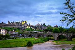 Cité y puente viejo de Carcassone (jlnavarro76) Tags: d3300 francia france carcassone cité puenteviejo paisaje castillos murallas arboles nubes lluvia río puente vacaciones sigma175028