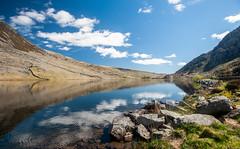 Lake Ogwen on a beautiful sunny day (Jez B) Tags: wales north blue sky lake ogwen reflection water cloud ripples rocks landscape