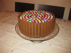 Torta KitKat & Smarties (dolciefantasia) Tags: cake cakedesign torta pastadizucchero decorazione festa compleanno milano dolci fantasia