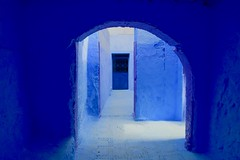Home Blues (Alex L'aventurier,) Tags: chefchaouen maroc morocco blue bleu bluecity médina medina rue street mur wall old ancien house maison home ville city urban urbain door porte