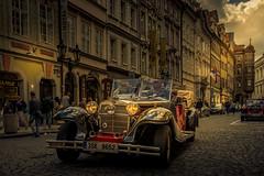 Prague old car (hjuengst) Tags: prag prague sunset sonnenuntergang oldcar oldtimer czechrepublic tschechien kleinseite