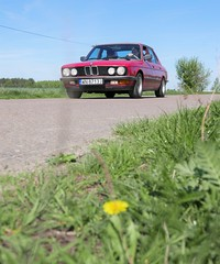 On the road (roomman) Tags: 2018 poland polen warschau warszawa warsaw bmw autp automobile sochaczew ilow grzybów slubice słubice red colour 5er 520 520i oldtimer oltimer young old youngtimer timer germany west detail details race racing fast engineering quality 1985 zinnoberrot zinnober rot heritage vintage pawel car transport transportation road museum iłów village farm farming seminar ziarno