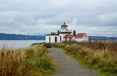 #31/118 - Follow the path - 118 Pictures in 2018 (Krasivaya Liza) Tags: 31 31118 118picturesin2018 discovery park lighthouse followthepath follow path beach pugetsound seattle wa washington discoverypark state nature trail trails beaches shore seashore snoqualmie falls waterfall waterfalls pac northwest pacific