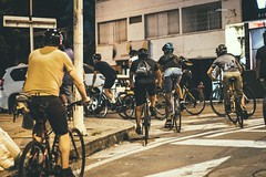 _MG_4497 (catuo) Tags: cycling cyclingteam people portrait sportphotography sport streetphotography street race racing bike trackbike bicicleta colombia carrera ciclismo canon noche alleycat